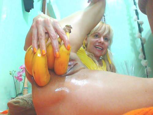 Raisa anal prolapse stretched with huge bananas