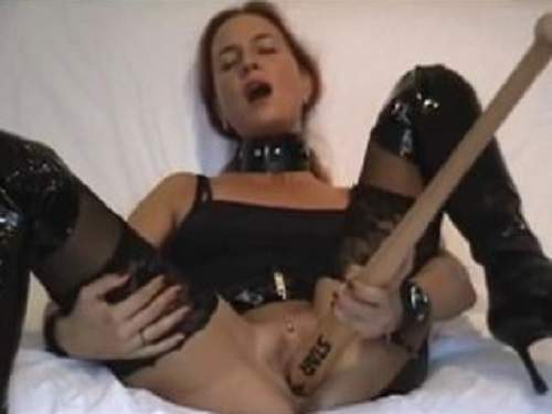 Amateur fetish hot milf baseball bat penetrated herself