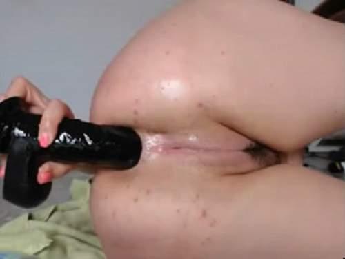 Mad webcam closeup dildo anal deep penetration