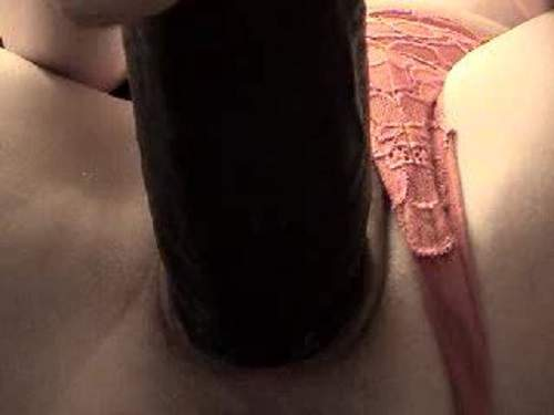 Hot slut giant dildo solo vaginal penetrated very beautiful