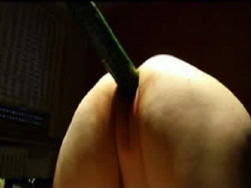 Webcam mature cucumber penetration in bloody period