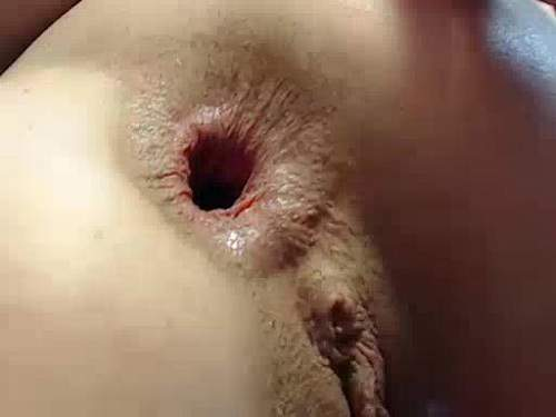 Very hot blonde with sweet rosebutt and gaping