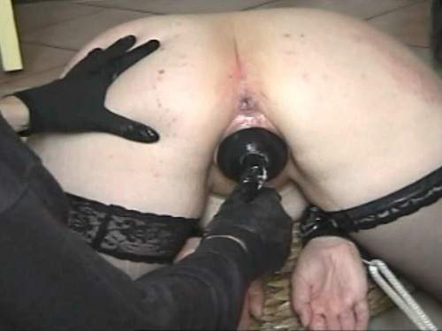 Masked husband insertion inflatable dildo in wifes pussy