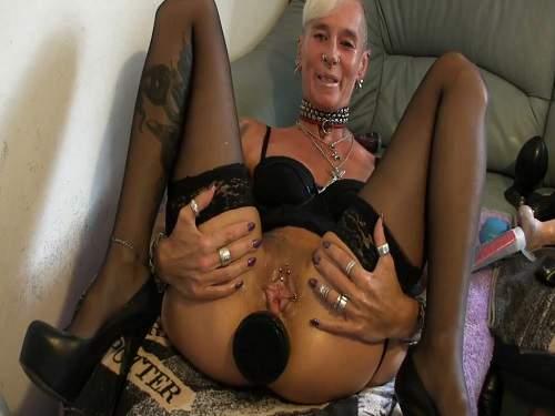 Dirty wife penetration huge black plug in anus