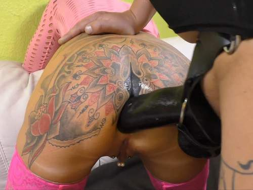 Colossal strapon fuck in rosebutt anus tattooed girl