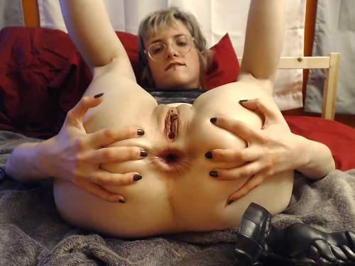 Webcam horny wife really giant dildo penetration anal to gape