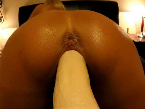 Fucking machine porn with sexy booty wife homemade