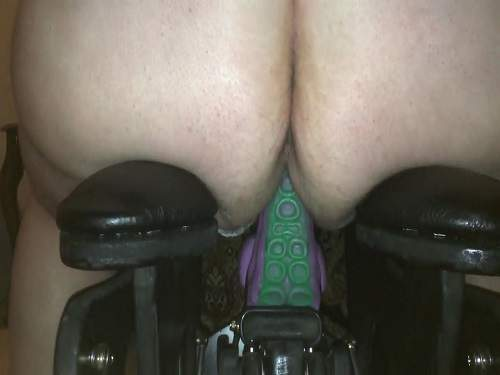 Dragon toy fuckmachine driller pussy fatty milf