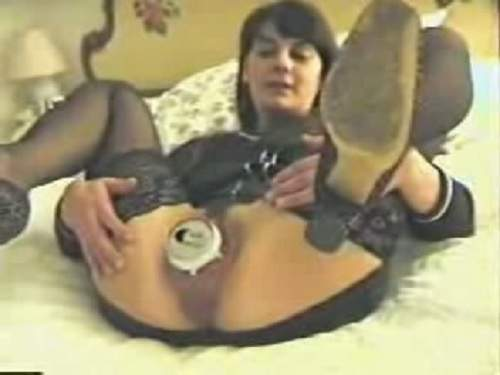 Amateur Cola Tin full in pussy