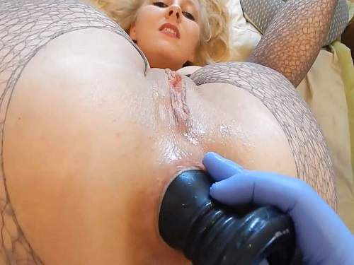 Big ass wife gets fisted and big dildos in rosebutt ass