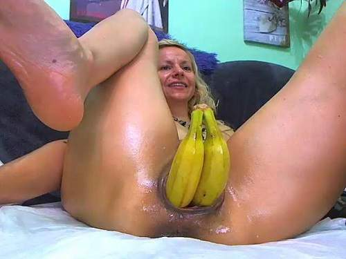Horny blonde penetration double bananas in prolapse anal – Release December 2, 2017