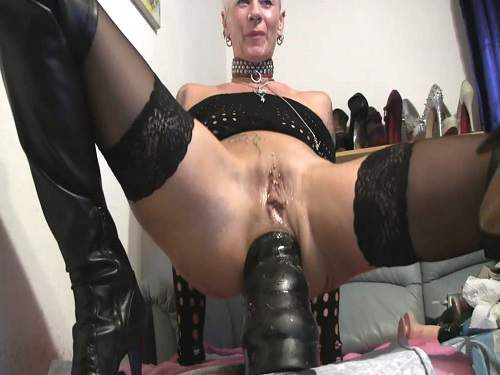 Lady-Isabell666 monster bbc dildo rides to rosebutt