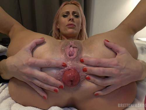 Brittany Bardot prolapse porn – Brittany and Lara anal play – Release January 24, 2018