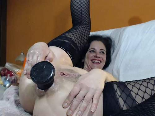 Sexy milf Queenvivian penetration different big dildos in asshole gape – Release April 2, 2018