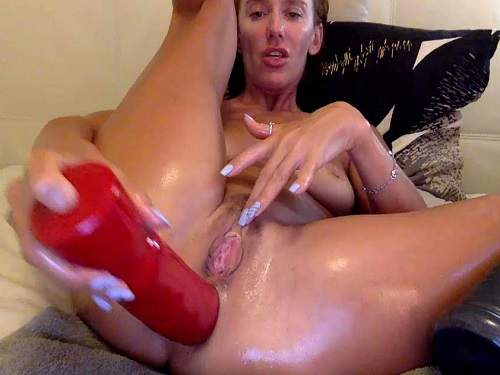 Booty wife penetration monster dildos in her stretched anal rosebutt