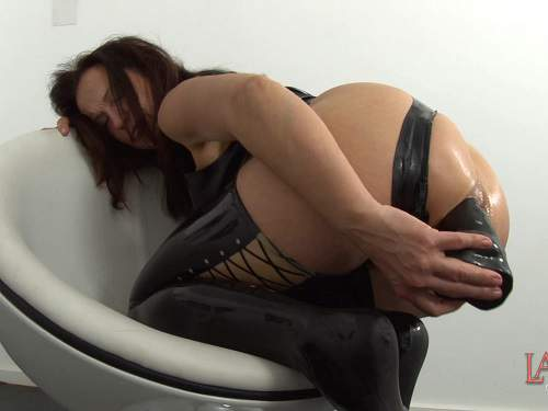 LatexAngel chocolate in ass and exciting dildo anal porn