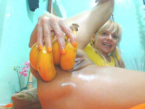 Hot horny mature vegetable porn and prolapse loose extreme closeup homemade