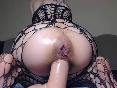 Bald girl angelsdaniel epic dildo deep insert in her hairy pussy