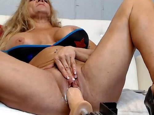 Musclemama4u fucking machine porn vaginal and creampie