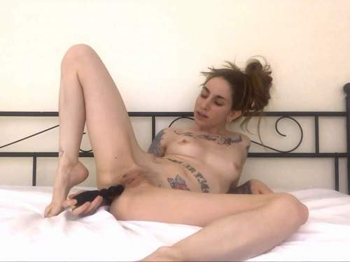 Webcam skinny tattooed girl butplug anal games