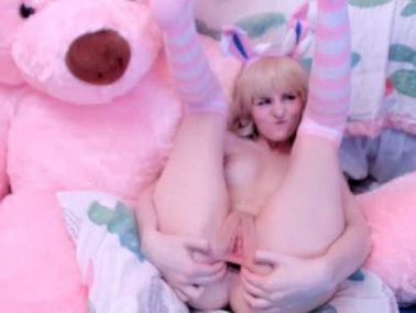 Naked teen Tweetney stretched her anal gape with long dildo