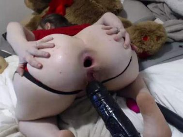 Russian girl Lala_diva anal gape stretched with big toy