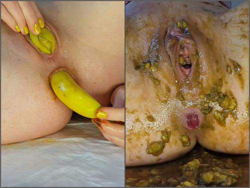 Bananas penetration in pussy and shitting anal rosebutt with Anna Coprofield