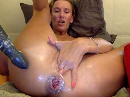 Rosebud – Russian milf bbmix996 penetration giant dildo deeply in rosebutt anus