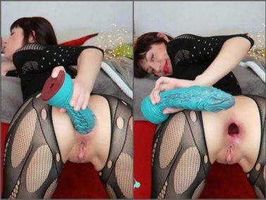Pussy insertion - Mylene dragon fuck and asshole gapes @HankeysToys porn