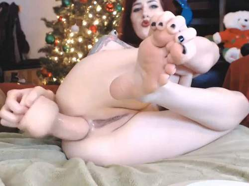 Webcam teen – Cottontailmonroe Xmas dildo anal porn and loose little gape