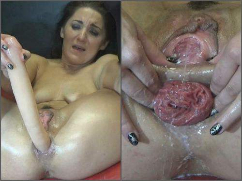 Squirt – Hungarian pornstar BlackAngel milky prolapse anal