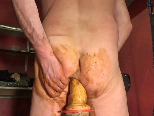 Shitting ass – Amateur scat male gets very big dildo in his anal