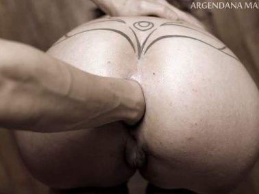 Deepthroat - Blindfold MILF gets deep anal fisting and plug fully fuck