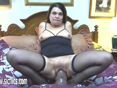 Huge dildo – Perverted MILF Hottabbycat homemade riding on a giant big dildo