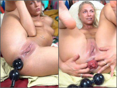 Dildo riding – Webcam dirty blonde siswetlive giant anal prolapse loose herself