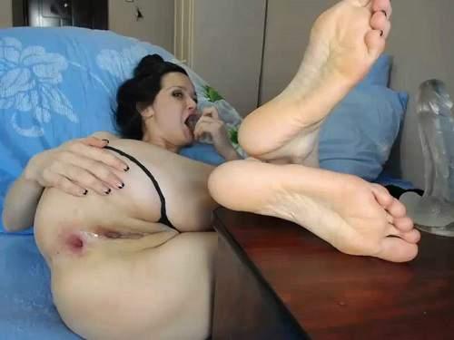Gape ass – Big ass Viktoriakiss transparent dildo penetration in narrow anal gape