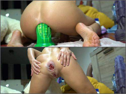 Rosebutt loose – Bad dragon alien dildo insertion deeply in rosebutt anus with Siswet19