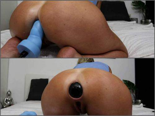 Anal stretching – Helena Lana new huge mrhankey dildo anal in doggy pose