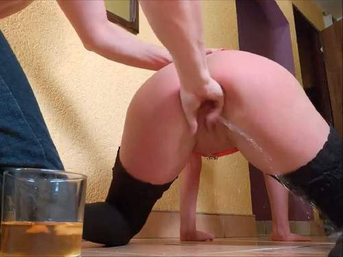 Squirt – Goddess wife squirt after dildo sex in doggy pose