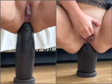 Piercing labia - WIfe with piercing labia gets big black dildo in rosebutt