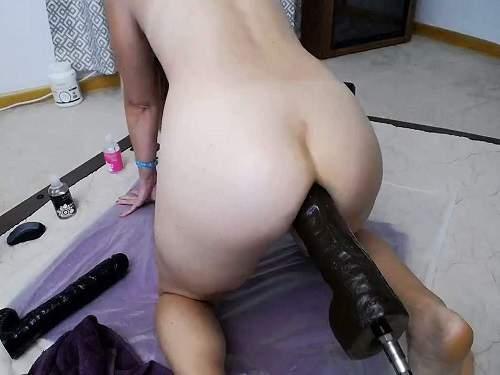Mature anal – Blonde MILF Wynfreya anal gape loose with fucking machines