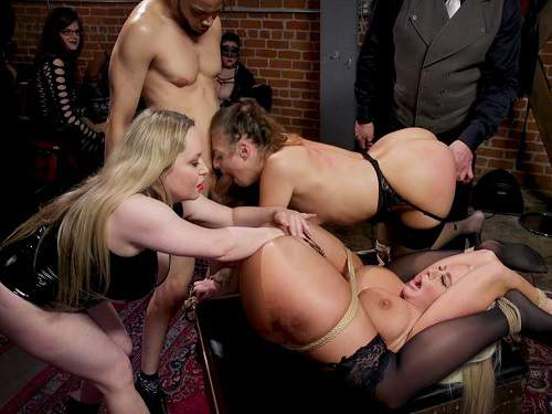 Gangbang – Aiden Starr, London River and Gia Derza masochistic anal MILF