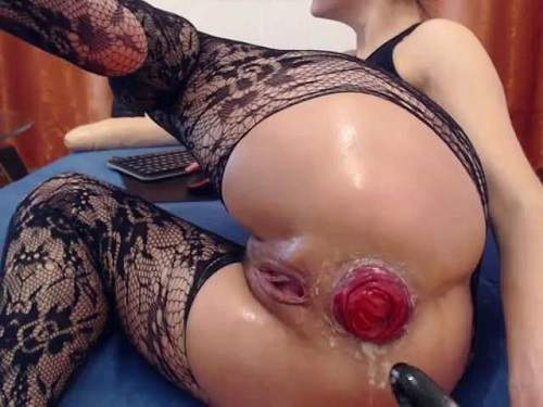 Solo fisting – Kitty25 fingering and fisting her big anal prolapse webcam
