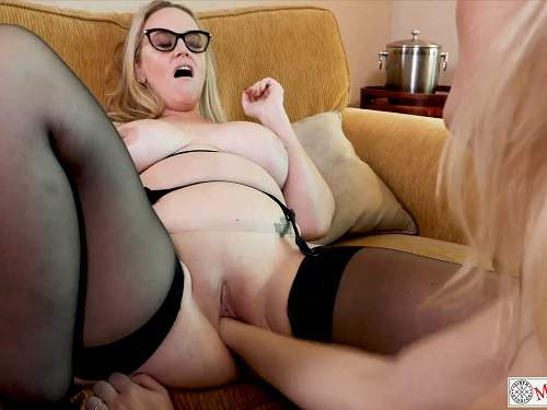 Pussy fisting – Mrs Siren extremely vaginal fisting lesbians