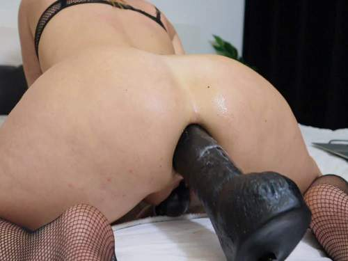 Monster dildo – Helena Lana evening of anal fun use lots of big toys
