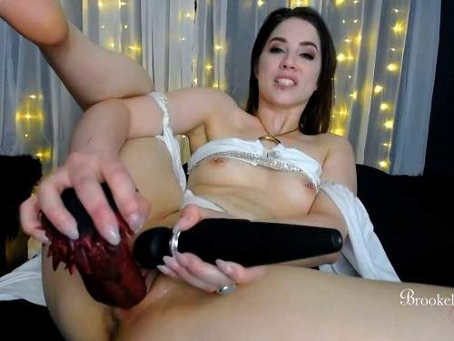 Dildo riding – Brookelynne Briar fap for the goddess during her dildo rides