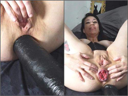 Tattooed – Adeline Lafouine ass stretching with huge dildo – Premium user Request