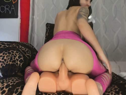 Close up – Busty brunette Sofi Mora giant rubber toy self penetration