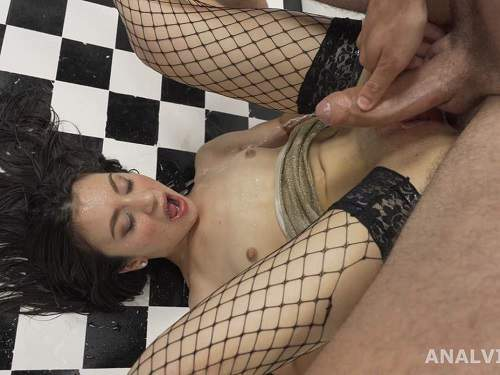 Anal insertion – Francesca Palma little anal gape loose and peeing domination
