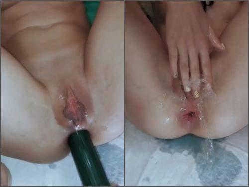 Gaping anal – Big labia girl Ivylopez peeing after big dildo sex